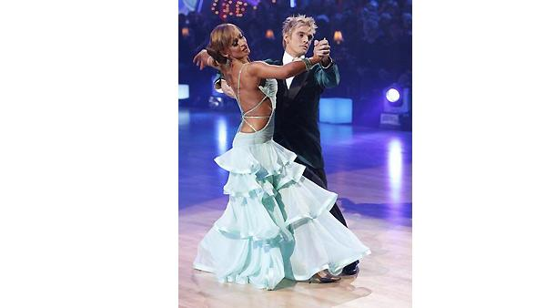 Aaron Carter and Karina Smirnoff perform during 'Dancing With the Stars,' October 26, 2009