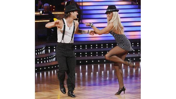 Louie Vito and Chelsie Hightower perform on 'Dancing With the Stars,' Oct. 27, 2009