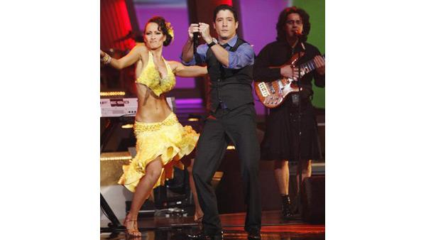 Tiempo Libre performs on 'Dancing With the Stars,' Oct. 27, 2009