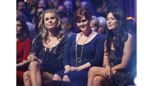 Rebecca Romijn, Sara Rue and Lindsay Price in the crowd at  'Dancing With the Stars,' Oct. 27, 2009