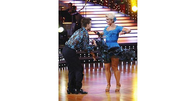 Kelly Osbourne and Louis Van Amstel perform during 'Dancing With the Stars,' Monday, November 2, 2009