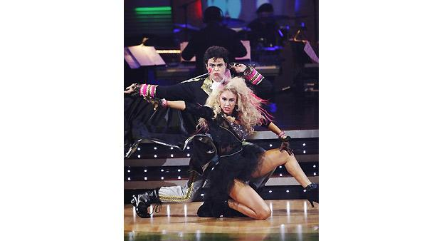 Donny Osmond and Kym Johnson perform during 'Dancing With the Stars,'  November 9, 2009