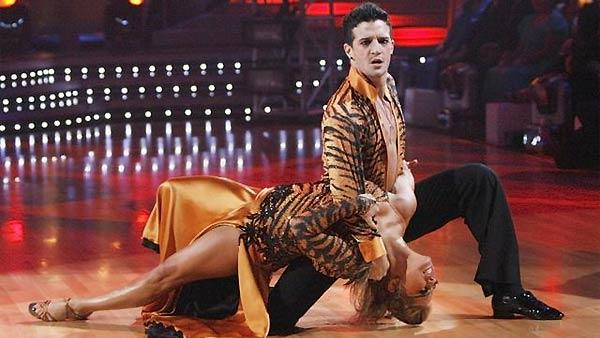 Olympic gold medalist Shawn Johnson and her former dancing partner Mark Ballas performed on 'Dancing with the Stars: The Results Show' November 10, 2009