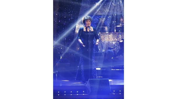 Singer Susan Boyle performed her signature song, 'I Dreamed a Dream,' on 'Dancing with the Stars: The Results Show' November 10, 2009