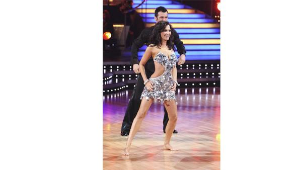 Melissa Rycroft and Tony Dovolani perform on 'Dancing With the Stars: The Results Show,'  November 17, 2009