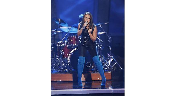 Singer Alicia Keys performed on 'Dancing With the Stars: The Results Show,' November 17, 2009
