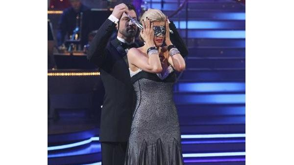 Erin Andrews and Maksim Chmerkovskiy perform on 'Dancing With the Stars,' Monday, April 5, 2010. The judges gave the couple 23 points out of 30.