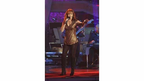 Country Superstar Reba McEntire performs on the results show of week three of 'Dancin