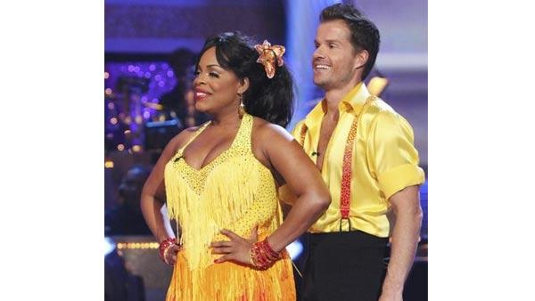 Comedian Niecy Nash and partner Louis van Amstel perform on week five of 'Dancing With the Stars,' Monday April 19, 2010. The judges gave the couple 18 points out of 30.