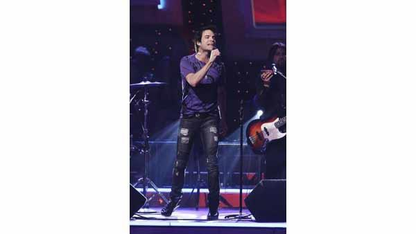 Train performs on 'Dancing With the Stars: The Results Show,' Tuesday, May 4, 2010.