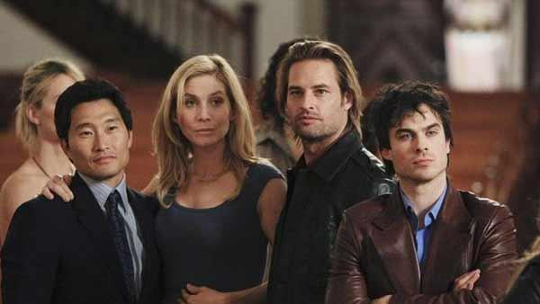 Shannon Rutherford (Maggie Grace), Jin-Soo Kwon (Daneil Dae Kim), Juliet Burke (Elizabeth Mitchell), Sayid Jarrah (Naveen Andrews), Sawyer (Josh Holloway) and  Boone Carlyle (Ian Somerhalder) attend church.