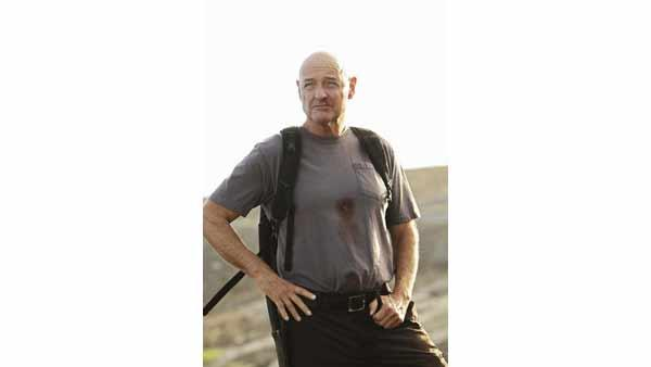 Oh Man in Black (Terry O'Quinn), we never even knew your name.