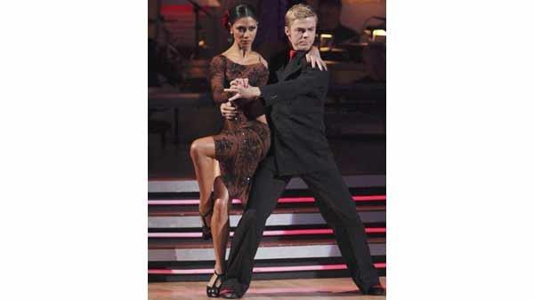Nicole Scherzinger and Derek Hough performed the Argentine Tango and Jive on 'Dancing With the Stars: Results Show' on Tuesday, May 25. Erin Andrews came in third place, Evan Lysacek placed second and Scherzinger was deemed the winner of season ten.