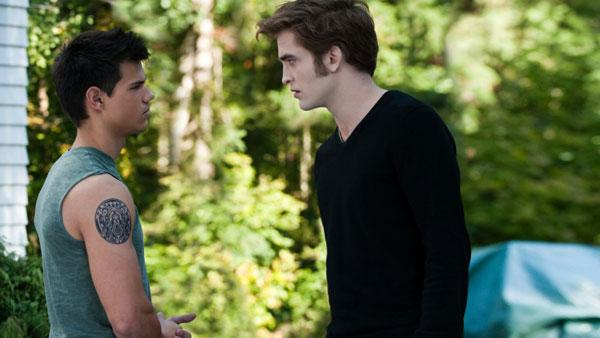 Jacob Black (Taylor Lautner) and Edward Cullen (Robert Pattinson)