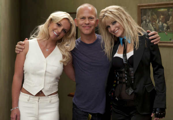 Britney Spears &#40;L&#41;, Co-Creator&#47;Executive Producer Ryan Murphy &#40;C&#41; and Heather Morris &#40;R&#41; on the set of &#39;Glee&#39; for the &#39;Britney&#47;Brittany&#39; episode of GLEE airing Tuesday, Sept. 28 &#40;8:00-9:00 PM ET&#47;PT&#41; on FOX. &copy;2010 Fox Broadcasting Co. <span class=meta>(Photo courtesy of Adam Rose &#47; FOX)</span>