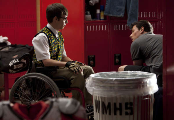 Artie &#40;Kevin McHale, L&#41; and Finn &#40;Cory Monteith, R&#41; have a chat in the boys&#39; locker room in the &#39;Britney&#47;Brittany&#39; episode of &#39;Glee&#39; airing Tuesday, Sept. 28 &#40;8:00-9:00 PM ET&#47;PT&#41; on FOX. &copy;2010 Fox Broadcasting Co. <span class=meta>(Photo courtesy of Adam Rose &#47; FOX)</span>