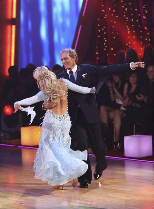 "<div class=""meta ""><span class=""caption-text "">Michael Bolton and Chelsie Hightower perform on 'Dancing With the Stars,' Monday, Sept.  20, 2010. The judges gave the couple 16 points out of 30. (ABC Photo/ Adam Larkey)</span></div>"