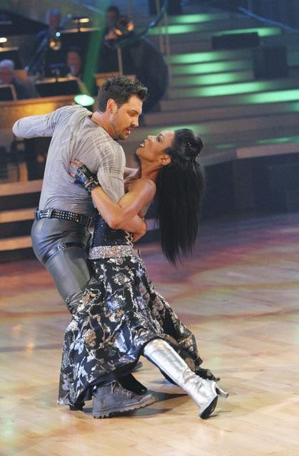 Brandy and Maksim Chmerkovskiy perform on &#39;Dancing With the Stars,&#39; Monday, Oct. 25, 2010. The judges gave the couple 26 out of 30 for individual and 10 points for winning dance marathon for a total of 36. <span class=meta>(ABC Photo&#47;Adam Larkey)</span>