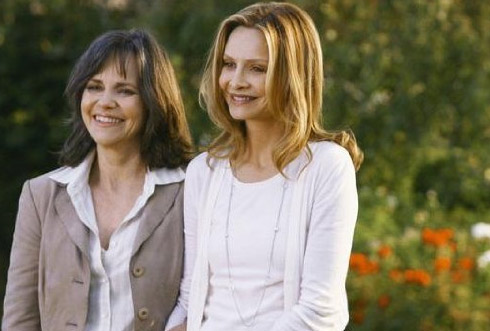 Sunday, Jan. 3, 2011: &#39;Brothers &amp; Sisters,&#39; a drama series starring Calista Flockhart and Sally Field, continues its fifth season on ABC at 10 p.m. ET. <span class=meta>(ABC)</span>