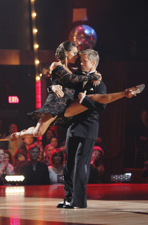 Jennifer Grey and Derek Hough entertain the audience with an encore performance on 'Dancing With the Stars: The Results Show,' Tuesday, Oct. 12, 2010.