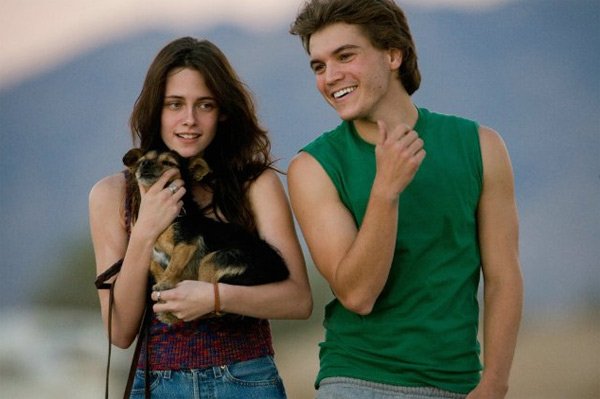 "<div class=""meta ""><span class=""caption-text "">Emile Hirsch, Kristen Stewart's co-star in 'Into the Wild' recommended her for the part of Bella in the 'Twilight' series.  (Paramount Vantage)</span></div>"