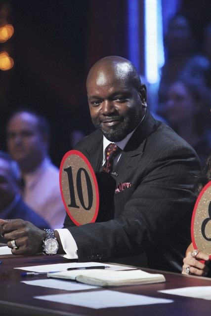 Emmitt Smith appears on &#39;Dancing With the Stars,&#39; Monday, Nov. 1, 2010. <span class=meta>(ABC)</span>
