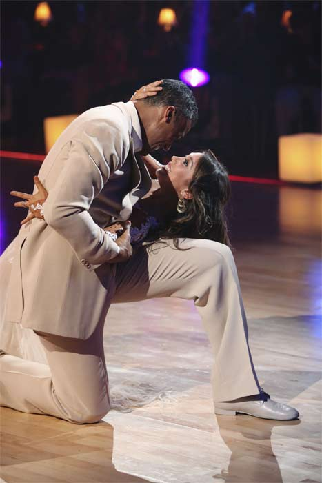 "<div class=""meta ""><span class=""caption-text "">Rick Fox and Cheryl Burke perform on 'Dancing With the Stars,' Monday, Sept.  20, 2010. The judges gave the couple 22 points out of 30. (ABC Photo/ Adam Larkey)</span></div>"