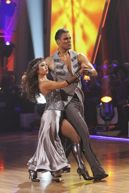 "<div class=""meta image-caption""><div class=""origin-logo origin-image ""><span></span></div><span class=""caption-text"">Rick Fox and Cheryl Burke perform on 'Dancing With the Stars,' Monday, Oct. 25, 2010. The judges gave the couple 24 out of 30 for individual and 6 points for the dance marathon for a total of 30. (ABC Photo/Adam Larkey)</span></div>"