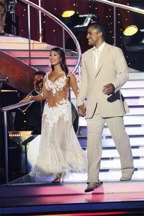 "<div class=""meta ""><span class=""caption-text "">Rick Fox and Cheryl Burke enter the stage on 'Dancing With the Stars,' Monday, Sept.  20, 2010. The judges gave the couple 22 points out of 30. (ABC Photo/ Adam Larkey)</span></div>"