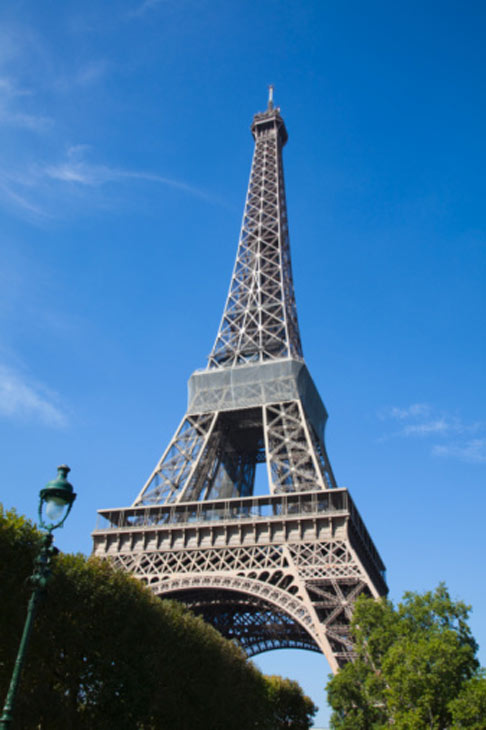 After only 2 months of dating, Tom Cruise proposed to Katie Holmes on June 17, 2005 at the Eiffel Tower. <span class=meta>(Photo courtesy of Elke Van de Velde)</span>