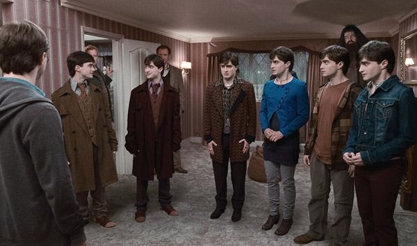 "<div class=""meta ""><span class=""caption-text "">Harry Potter (Daniel Radcliffe) and his clones appear in a scene from 'Harry Potter and the Deathly Hallows - Part 1.' (Warner Bros. Pictures)</span></div>"