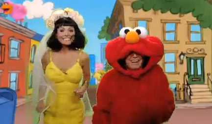 Regis Philbin and Kelly Ripa also dressed up as Katy Perry and Elmo, spoofing the pair&#39;s controversial &#39;Sesame Street&#39; segment, on &#39;Live with Regis and Kelly&#39; on Oct. 29, 2010 ahead of Halloween. <span class=meta>(ABC)</span>