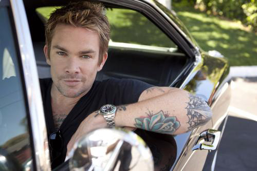 Sugar Ray frontman and Former 'Extra' host, Mark McGrath and fianc�e Carin Kingsland welcomed twins; a boy, Lyndon Edward and a girl, Hartley Grace on April 29, 2010.
