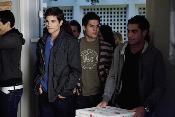 Brant Daugherty &#40;Noel&#41; appears in the &#39;Pretty Litle Liars&#39; episode &#39;Salt Meets Wound,&#39; which airs on Jan. 10, 2011 at 8 p.m. ET on ABC Family. During the episode, surprises unsettle the Liars as &#39;A&#39; continues the game. <span class=meta>(ABC Family &#47; Adam Rose)</span>