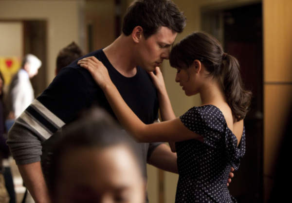 Finn &#40;Cory Monteith, L&#41; and Rachel &#40;Lea Michele, R&#41; share a moment in &#39;Audition&#39;, the season premiere episode of &#39;Glee&#39; airing Tuesday, Sept. 21 &#40;8:00-9:00 PM ET&#47;PT&#41; on FOX. <span class=meta>(Photo courtesy of Adam Rose &#47; FOX)</span>