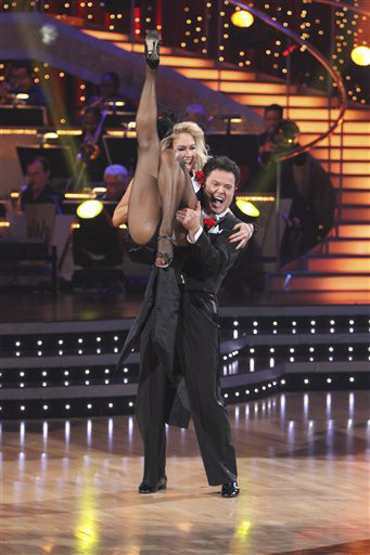 "<div class=""meta image-caption""><div class=""origin-logo origin-image ""><span></span></div><span class=""caption-text"">In the fall of 2009, Donny Osmond and Kym Johnson took the first place spot on season 9 of 'Dancing with the Stars.'  Osmond is best known for working closely with his sister Marie on the 70s show, 'Donny & Marie.'  Donny and Marie are currently performing at the Las Vegas Flamingo Hotel. (Photo courtesy of ABC)</span></div>"