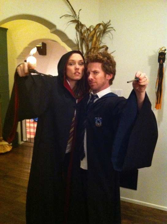 For Halloween 2010, actor Seth Green dressed up like a Hogwarts student from the world of &#39;Harry Potter&#39;. <span class=meta>(twitter.com&#47;SethGreen)</span>