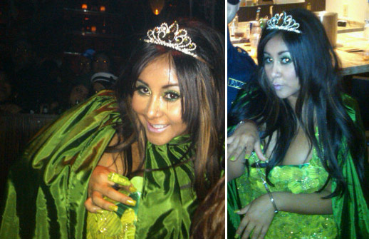 Nicole &#39;Snooki&#39; Polizzi of &#39;Jersey Shore&#39; dressed up like a pickle princess for Halloween 2010. <span class=meta>(twitter.com&#47;Sn00ki)</span>