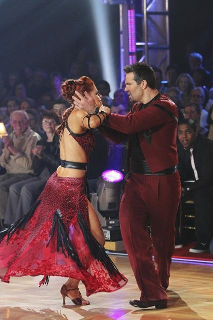 "<div class=""meta image-caption""><div class=""origin-logo origin-image ""><span></span></div><span class=""caption-text"">Kurt Warner and Anna Trebunskaya perform on 'Dancing With the Stars,' Monday, Oct. 25, 2010. The judges gave the couple 18 out of 30 for individual and 4 points for the dance marathon for a total of 22. (ABC Photo/Adam Larkey)</span></div>"