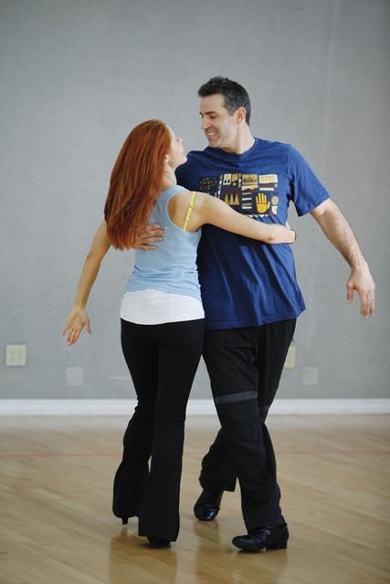Former NFL star Kurt Warner rehearses with Anna Trebunskaya, who returns for her sixth season. <span class=meta>(ABC&#47;Greg Zabilski)</span>