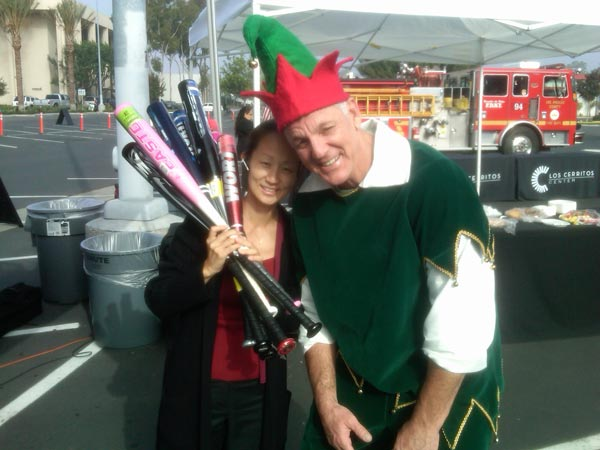 "<div class=""meta image-caption""><div class=""origin-logo origin-image ""><span></span></div><span class=""caption-text"">ABC7 Assignment Editor Julie Sone joined Garth the Elf Stuff-A-Bus at Los Cerritos Center on Thursday, Nov. 18, 2010. (KABC)</span></div>"