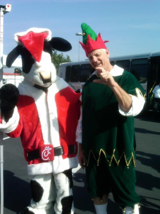 "<div class=""meta ""><span class=""caption-text "">Garth the Elf and the Christmas Cow posed for the camera at Los Cerritos Center on Thursday, Nov. 18, 2010. (KABC)</span></div>"