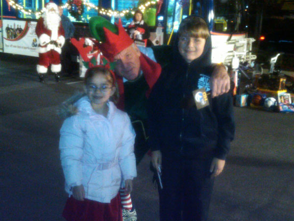 Children joined Garth the Elf to help Stuff-A-Bus at Ontario Mills on Friday, Dec.3, 2010. <span class=meta>(KABC)</span>