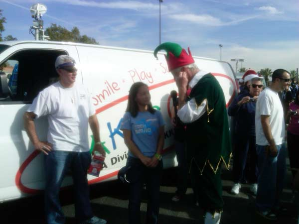 JAKKS Pacific joined Garth the Elf at the Stuff-A-Bus event at Ontario Mills on Friday, Dec. 3, 2010. <span class=meta>(KABC)</span>