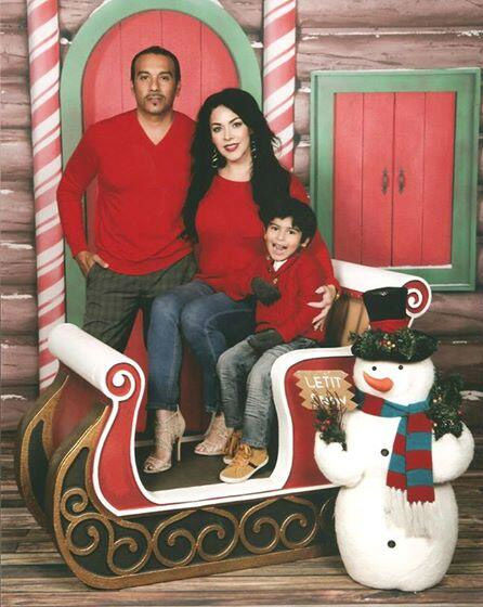 "<div class=""meta ""><span class=""caption-text "">ABC7 viewer Maria Cibrian shared this holiday snapshot. Use #ABC7HomeForTheHolidays on Facebook, Twitter and Instagram to share your holiday photos with ABC7. We'll feature some of the best on our newscasts and here on abc7.com! (KABC Photo)</span></div>"