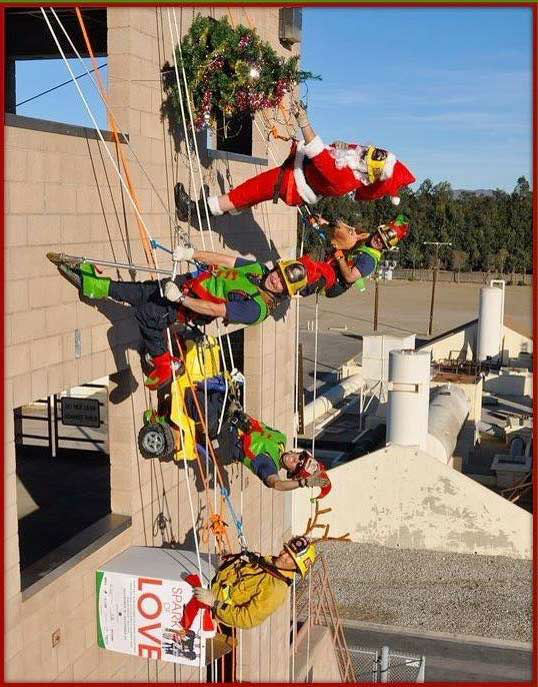 "<div class=""meta ""><span class=""caption-text "">ABC7 viewer Scott Quirarte shared this holiday snapshot. Use #ABC7HomeForTheHolidays on Facebook, Twitter and Instagram to share your holiday photos with ABC7. We'll feature some of the best on our newscasts and here on abc7.com! (KABC Photo)</span></div>"