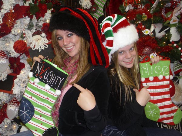 Happy holidays from Ashley and Jaclyn Davis.  <span class=meta>(ABC7 Photo&#47;Todd and Audra Davis)</span>