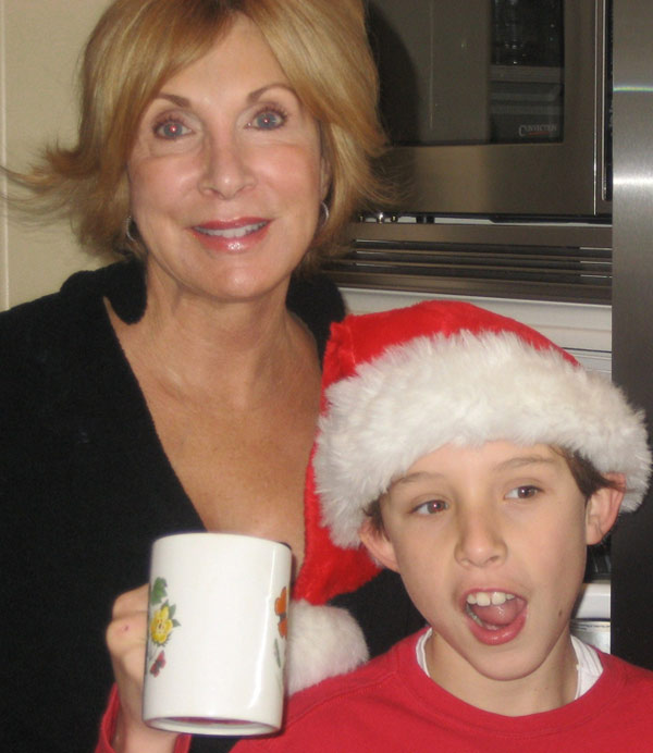 Merry Christmas Mimi and Papa! We love you. <span class=meta>(ABC7 Photo&#47; Kim Blahosky of Agoura Hills)</span>