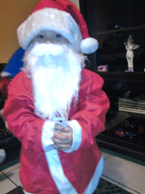 Merry Christmas from a little Santa! <span class=meta>(ABC7 Photo)</span>