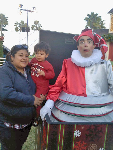 Happy holidays from Natalie and Matthew, seen here with a Jack in the box at SeaWorld in San Diego.  <span class=meta>(ABC7 Photo)</span>